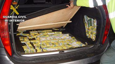 La Guardia Civil se incauta de más de cuatro mil paquetes de tabaco de liar en la A-92