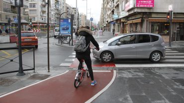 Granada, primera ciudad de España que ofrece un módulo sobre ciclistas en las autoescuelas