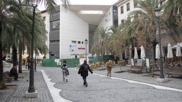 El consejero de Cultura asegura que la apertura del Centro Lorca cumple los plazos previstos
