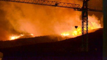 Seis desalojados en Cádiar tras un incendio forestal