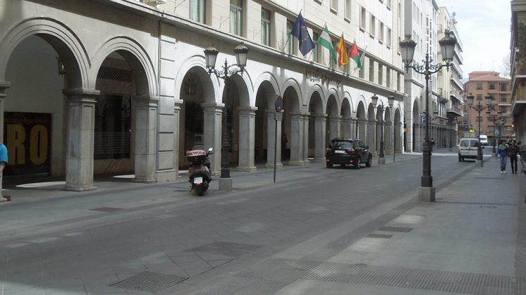 La calle Ganivet ya está despejada. Foto: Luis F. Ruiz