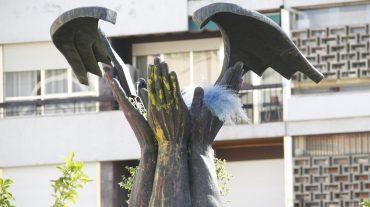 El Ayuntamiento trasladará a un museo el monolito de Bibataubín si la Ley de Memoria obliga a su retirada