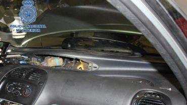 Detenidas dos mujeres acusadas de transportar 6,5 kilos de hachís ocultos en un coche