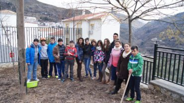 Los escolares de Güéjar Sierra se meten a hortelanos