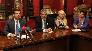El PSOE pide el apoyo del PP para el IVA reducido a los peluqueros