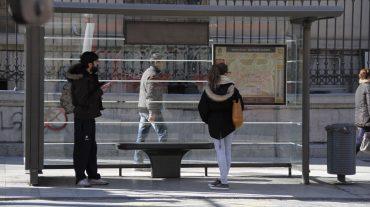 IU reclama más buses a la Cartuja