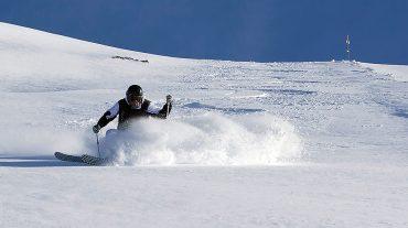 Sierra Nevada cierra el Puente de Andalucía con los hoteles al 90% y 40 centímetros de nieve nueva