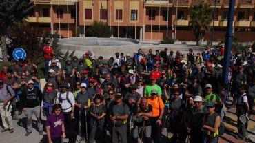Más de 200 vecinos de Las Gabias, Atarfe, Gójar y Órgiva participan en una jornada de senderismo