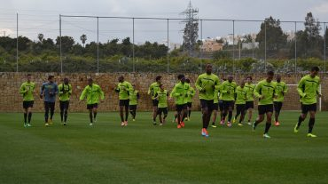 La necesidad de reacción para asegurar la permanencia obliga al club a concentrar al equipo