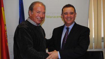 Maracena firma un convenio con el Club de Vuelo Libre de Granada