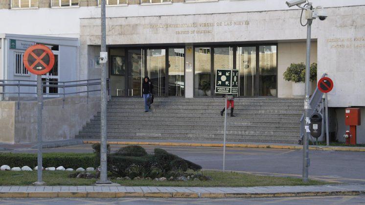 El edificio del Hospital Virgen de las Nieves. Foto: Álex Cámara