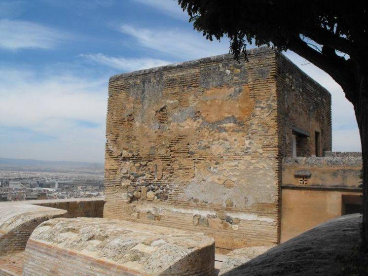 En época cristiana, fue incorporada como un importante elemento defensivo a las reformas llevadas a cabo a mediados des siglo XVI. Foto: Patronato de la Alhambra y el Generalife