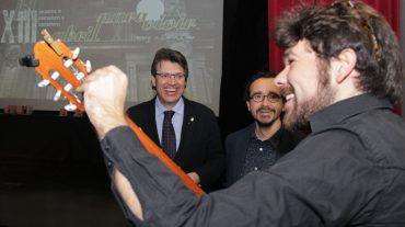 El Festival Abril para Vivir edita con el apoyo de la Diputación de Granada un disco con las canciones ganadoras durante sus doce ediciones de historia