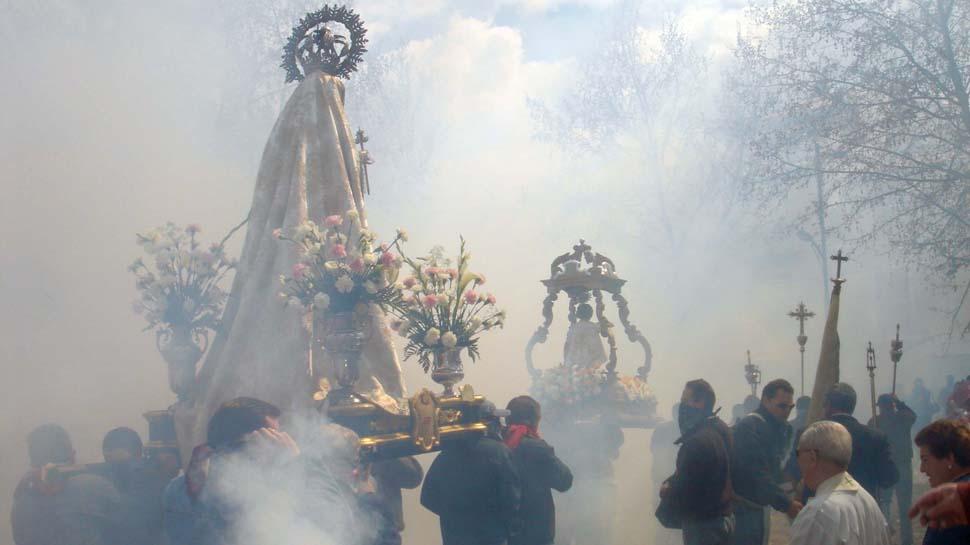 La Junta declara la 'procesión de los petardos' como fiesta de interés religioso y cultural