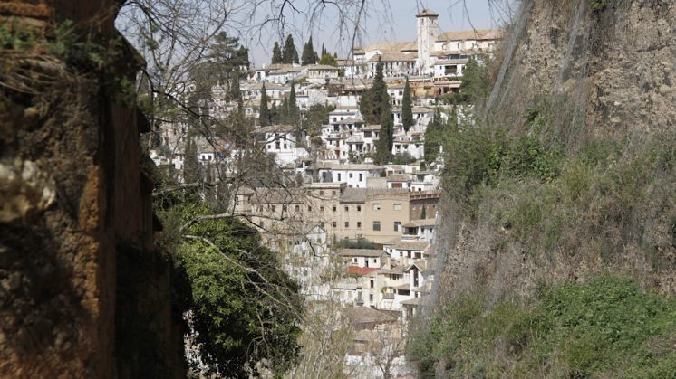El barrio del Albaicín desde la Cuesta de los Chinos. Foto: Álex Cámara