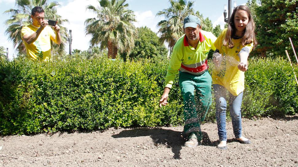 Ahora granada plantando ilusi n en los jardines de lorca ahora granada - Los jardines de lorca ...