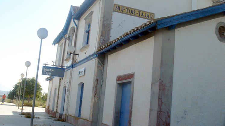 El apeadero de Huétor Tájar también se verá afectado. Foto: AGR