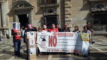 Un performance contra los recortes del Gobierno a los trabajadores de Justicia
