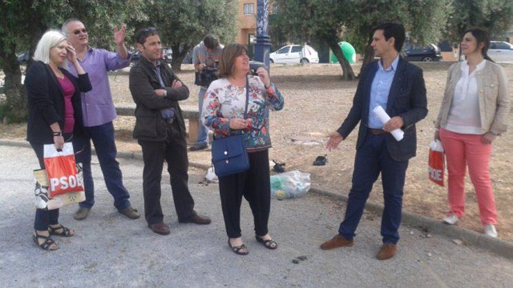 El portavoz del grupo socialista, Francisco Cuenca, ha recordado que este espacio verde fue oficialmente inaugurado en abril de 2013. Foto: AG