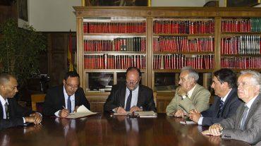 El rector de la UGR firma un convenio con la Facultad de Ciencias de Tetuán