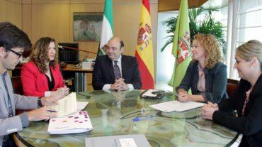 La familia Jiménez Tóvar cede su fondo etnográfico para su exposición en el museo provincial de la Alpujarra