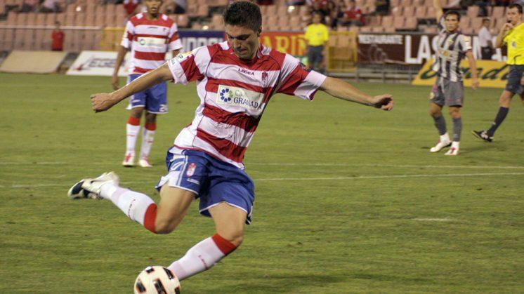 Siqueira, en un partido con el Granada CF. Foto: L. F. R. (archivo)