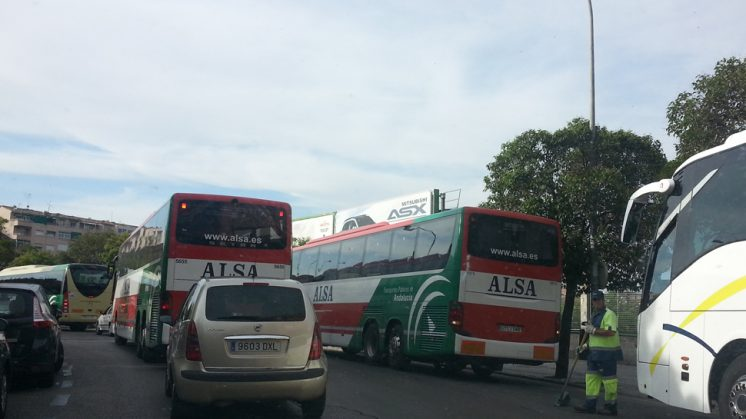 Ahora Granada - IU solicitará medidas de control de tráfico ...