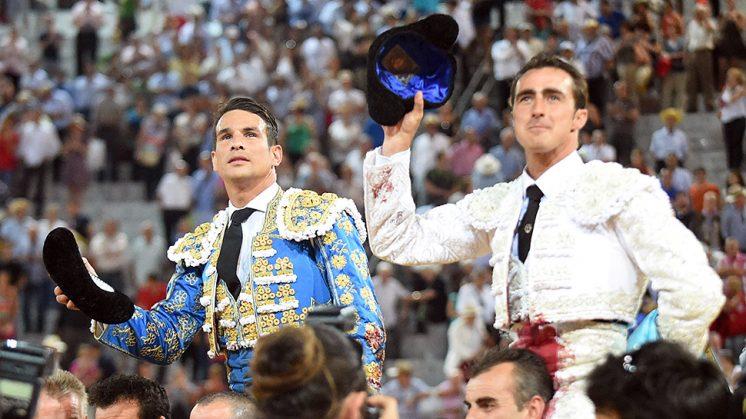 José María Manzanares y El Fandi, a hombros en la segunda de feria. Foto: Carmen Moya