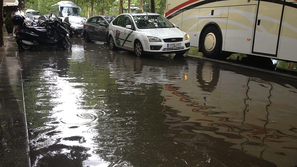Resultado de imagen para salon de fiestas inundado