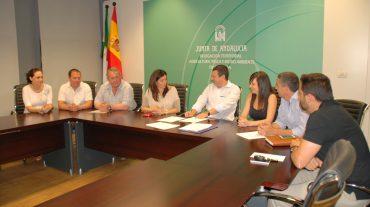 La Junta entrega a nueve ayuntamientos la propiedad de los edificios de las Cámaras Agrarias Locales