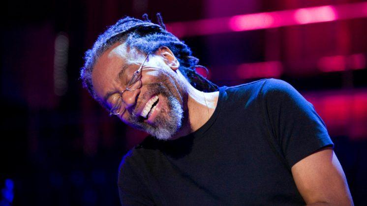 McFerrin, además de cantante de jazz a capella y de ejercer como director de orquesta. Foto: aG