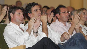 Pedro Sánchez realiza en Fuente Vaqueros su penúltimo acto de campaña