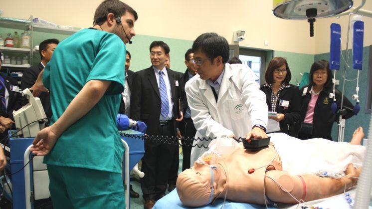 35 profesionales han podido adquirir conocimientos sobre los usos actuales y perspectivas de futuro del entrenamiento y la evaluación de profesionales sanitarios. Foto: aG