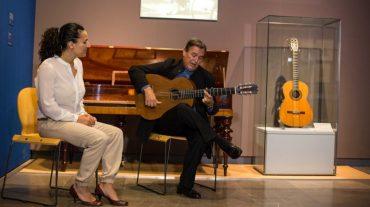La Alhambra organiza visitas guiadas con música en vivo