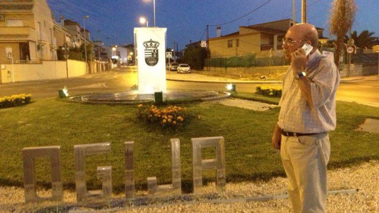El último ataque contra bienes públicos se produjo a finales de esta semana, en la rotonda de acceso al municipio por la carretera de Granada. Foto: aG