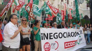 Los empleados públicos se concentran para reivindicar los derechos perdidos
