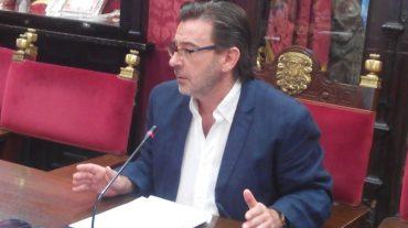 """El PSOE exige """"responsabilidades políticas"""" al alcalde por la discoteca del Serrallo"""