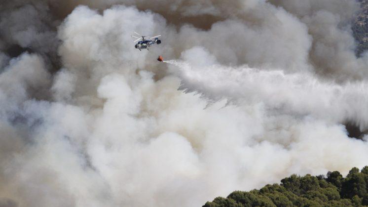 Los helicópteros tuvieron un duro trabajo esa jornada. Foto: Álex Cámara