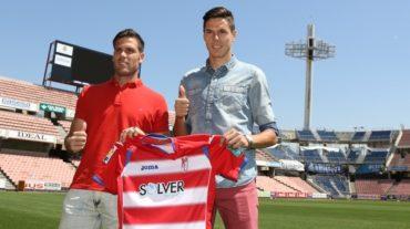 Héctor Yuste y Ortuño, presentados como jugadores rojiblancos
