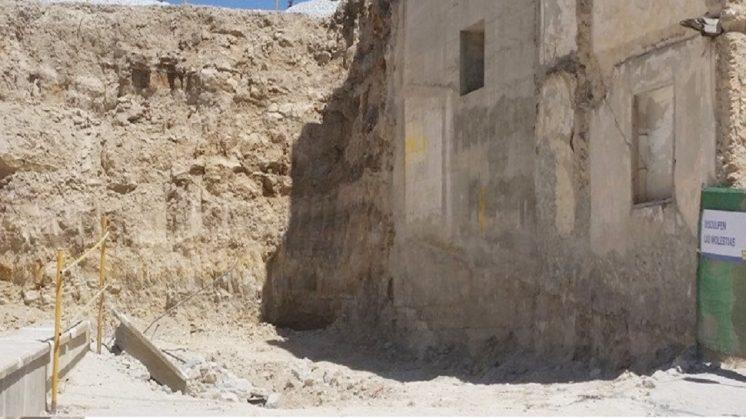 """El PA de Baza denuncia las obras """"que dañan túneles y restos de muralla de la Alcazaba"""""""