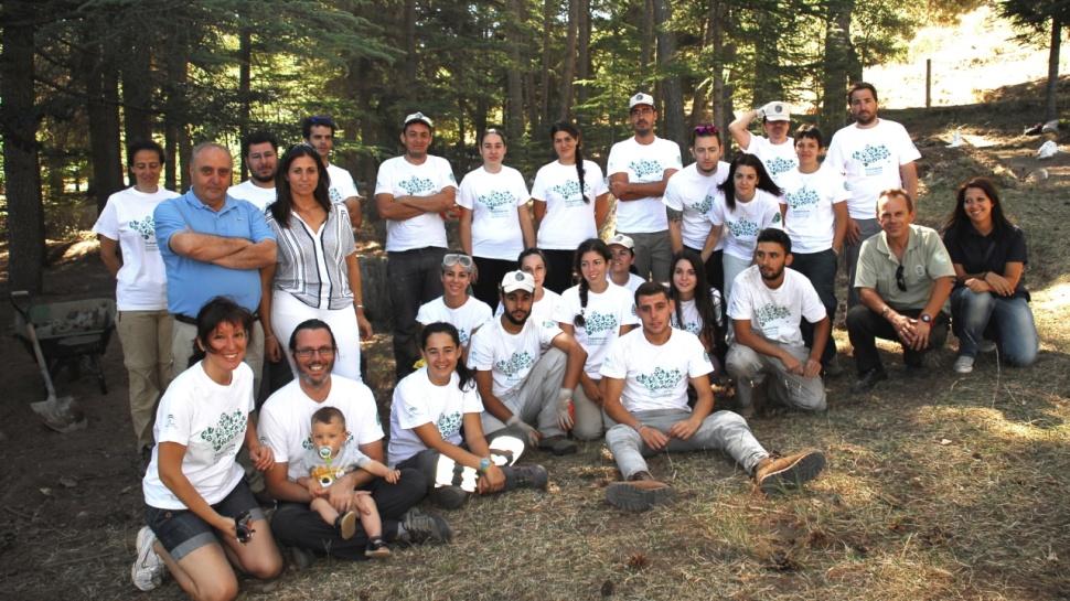 Ahora granada una veintena de voluntarios ambientales for Jardin botanico de granada