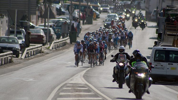 El ciclismo cuenta con grandes aficionados en Granada y su provincia. Foto: Luis F. Ruiz (archivo)