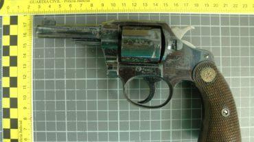 Detenido un joven en Órgiva por tenencia ilícita de armas y amenazas