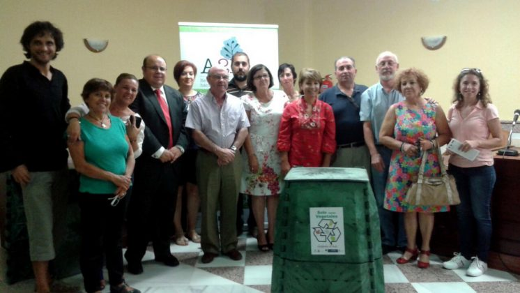 En la fase actual del proyecto, se va a trabajar directamente con diez familias del municipio que van a instalar una compostera en su vivienda. Foto: aG
