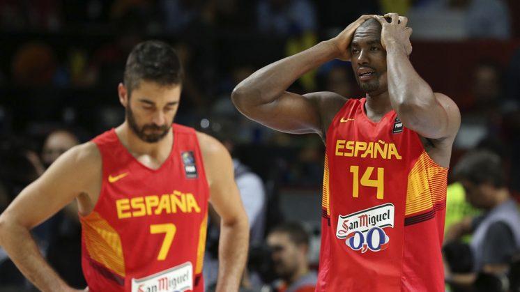 Navarro e Ibaka lamentan la eliminación ante Francia. Foto: FIBA