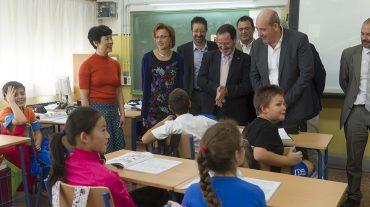 La transmisión de la lengua y cultura china ya es posible en el Aula Confucio del colegio 'Julio Rodríguez' de Armilla