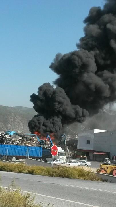 El incendio se ha declarado este martes. Foto: José Manuel Santos Bailon