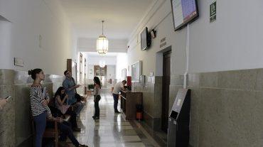 Nuevo sistema de cita previa en los centros de la UGR para evitar colas