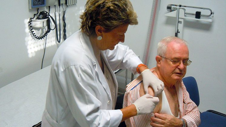 Las personas mayores están obligadas a vacunarse. Foto: aG