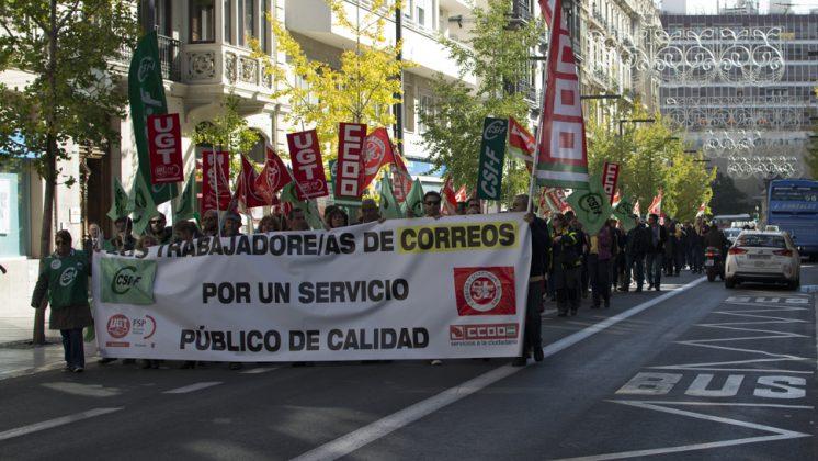 La manifestación ha recorrido las principales calles del centro de Correos hasta Subdelegación. Foto: Alberto Franco